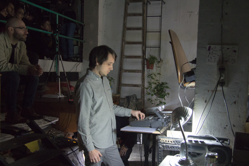 http://www.muntzine.com/images/IMG_5634-diegobus.jpg
